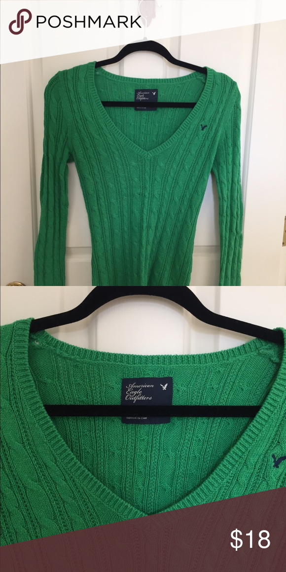 AE Sweater Pretty, bright green cable knit sweater - like new! American Eagle Outfitters Sweaters Crew & Scoop Necks