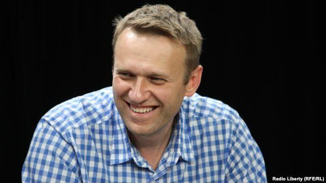 """Война на Украине затягивает Россию в пропасть Алексей Навальный в беседе с Радио Свобода и """"Голосом Америки"""" – о Путине, Крыме, войне на Украине, Чечне и президентских амбиция"""