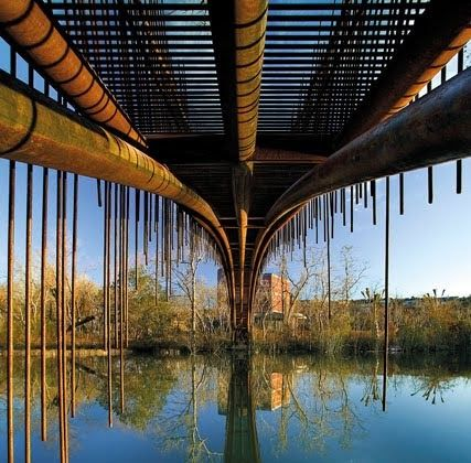 This is some cool and unique bridge ... Lets watch togheter !    1.Pedestrian Bridge , Texas