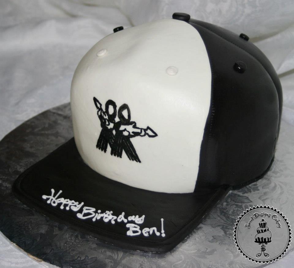 3D hat birthday cake. 282972_470189096372124_82750030_n.jpg (960×877)