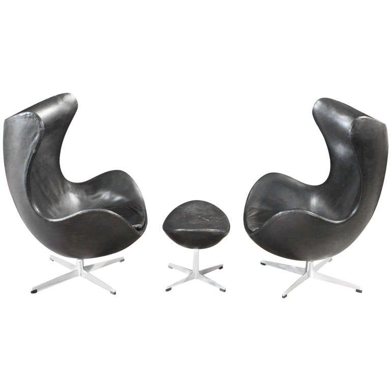 Fritz Hansen Egg Chair Prijs.Pair Of Leather Egg Chairs And Ottoman By Arne Jacobsen From A