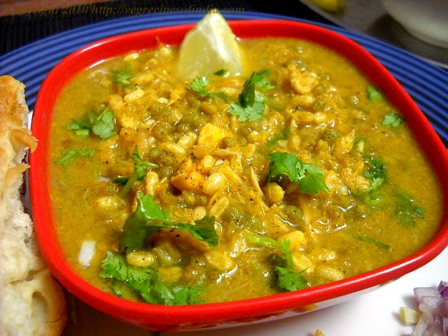 Usal recipe foodies sprouts and curry one of my comfort food staples ussal a spicy maharashtrian curry which uses sprouted forumfinder Images
