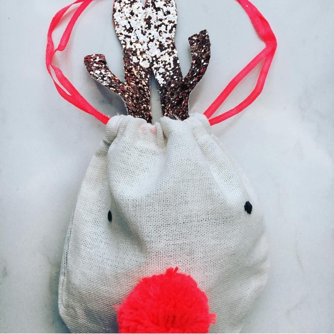 A big photo of our little reindeer pouch. It's easy to see how delightful it is. Perfect for small special prezzies. TYVM @pepperandinkhome for the post