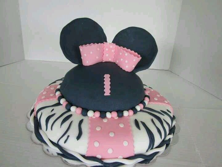 Minnie Mouse Cake Using The Betty Crocker Bake And Fill