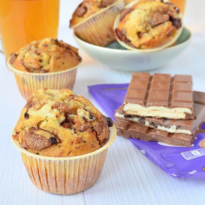 Vorige week bakte ik deze MEGA lekkere Milka chocolade muffins en vandaag staat het recept al online  link in profiel! #milkachocolate #milkamuffins #muffins #sp by laurasbakery