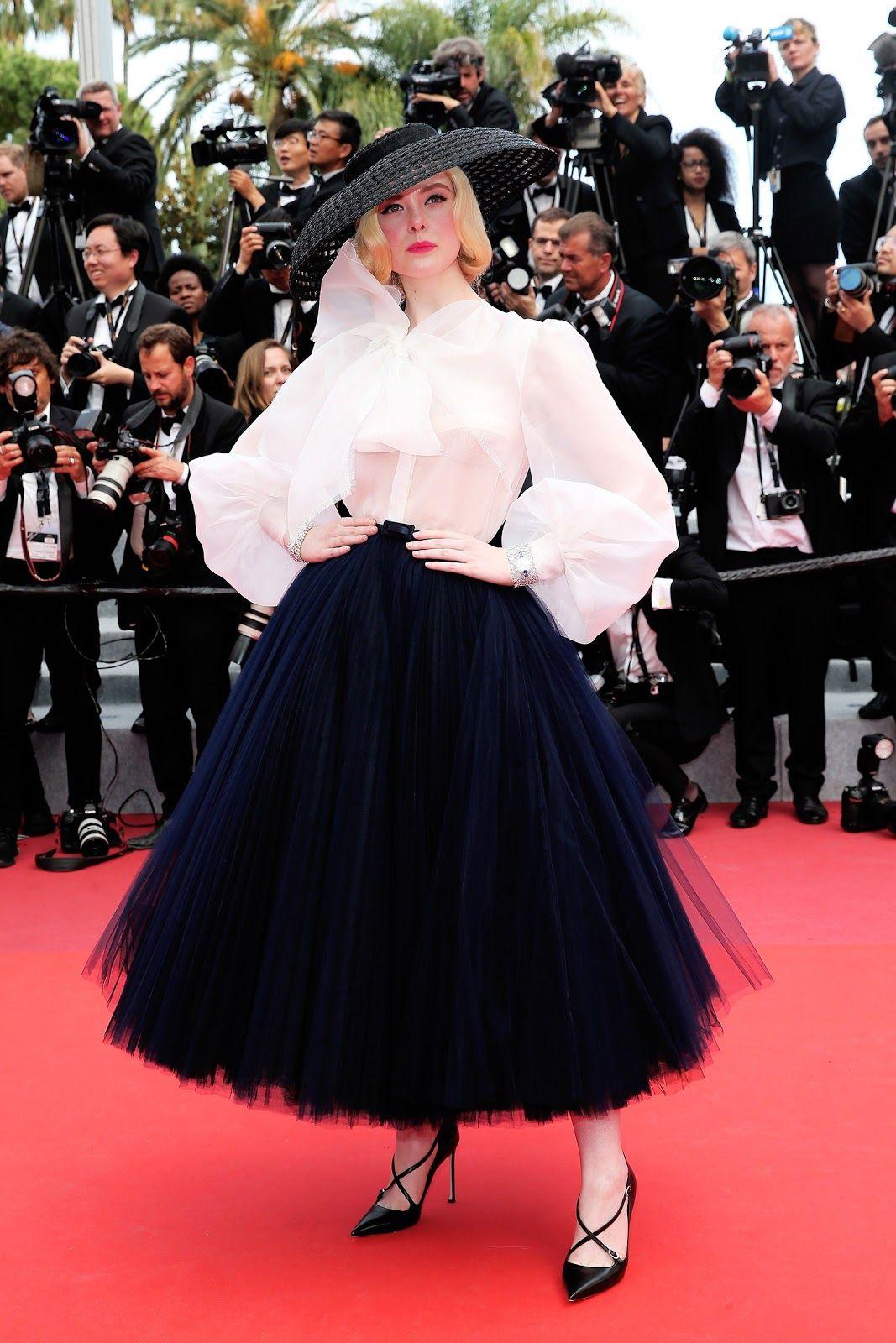 Cannes 2019 Elle Fanning Sul Red Carpet Stile Di Moda Abito Dior Abiti