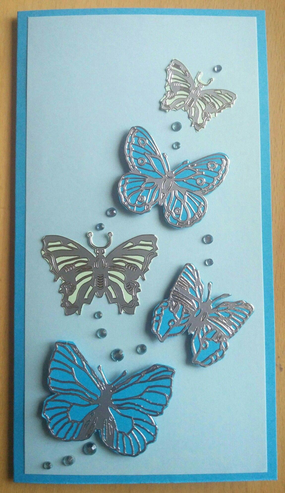 Perhosia kortti valmistuneelle