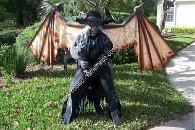 Coolest Homemade Jeepers Creepers Halloween Costume Idea Creeper Costume Jeepers Creepers Creepy Halloween Decorations