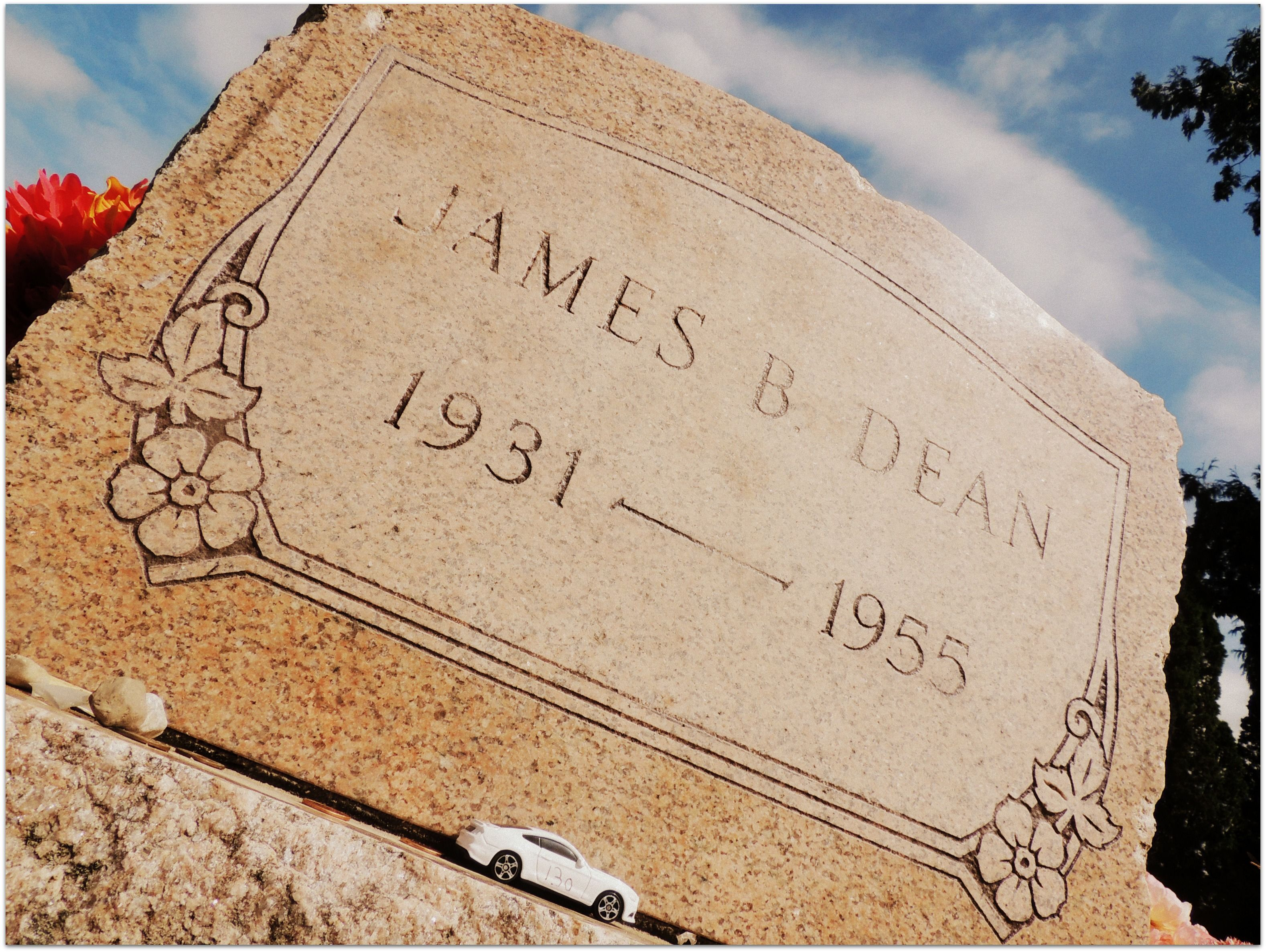 Jimmy Dean Grave - Exploring Mars