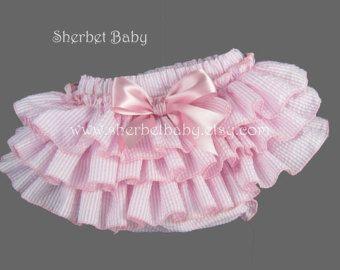Estilo clásico hecho a mano volantes rosa pañal por SherbetBaby