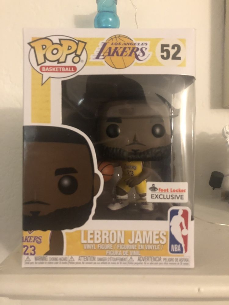 Funko Pop Lebron James The Lakers Yellow Jersey  52 FOOT LOCKER EXCLUSIVE 4c54ac16d