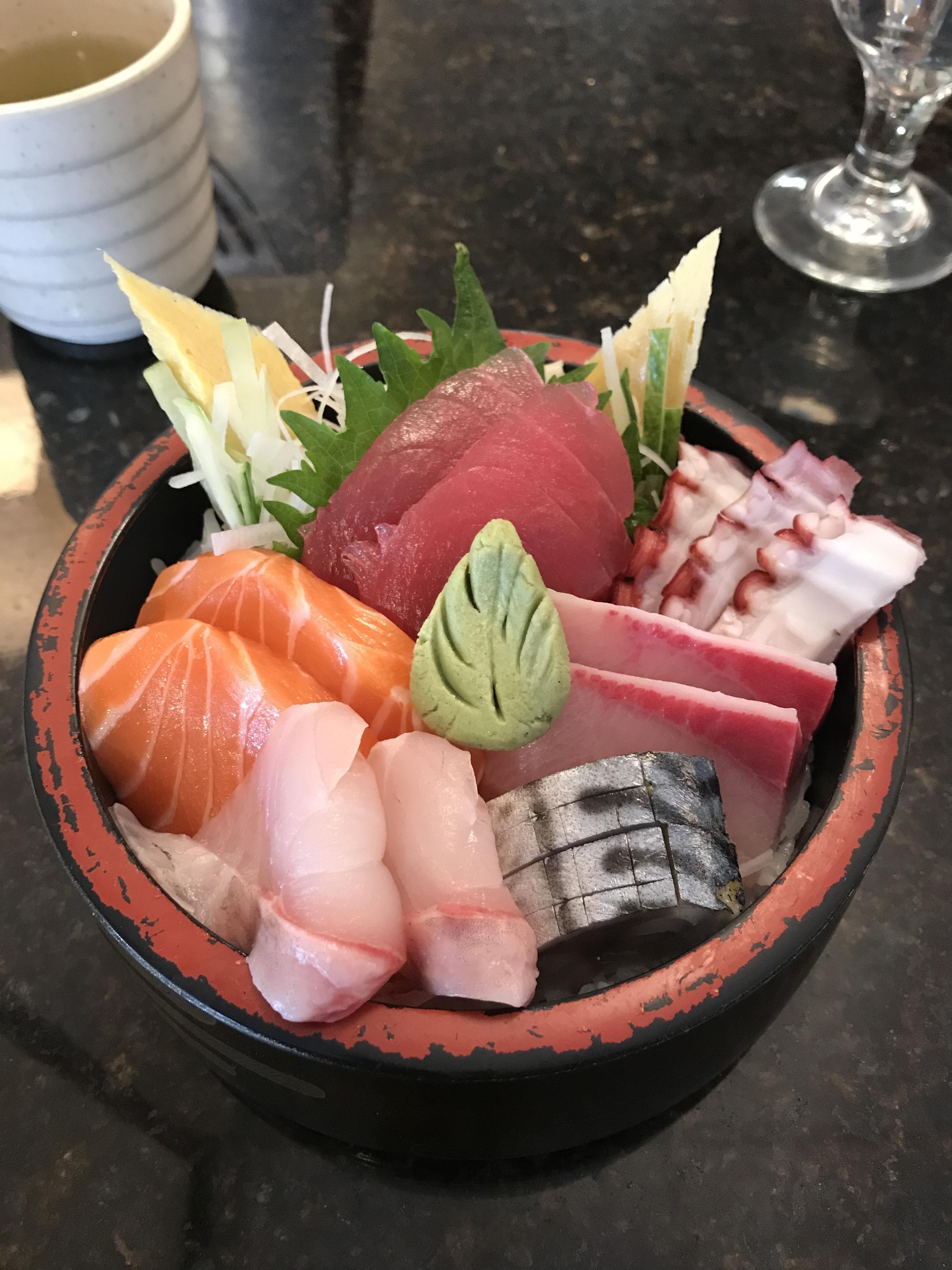 Chirashi From Ebi Sushi In Somerville Ma Sushi Food Foodporn