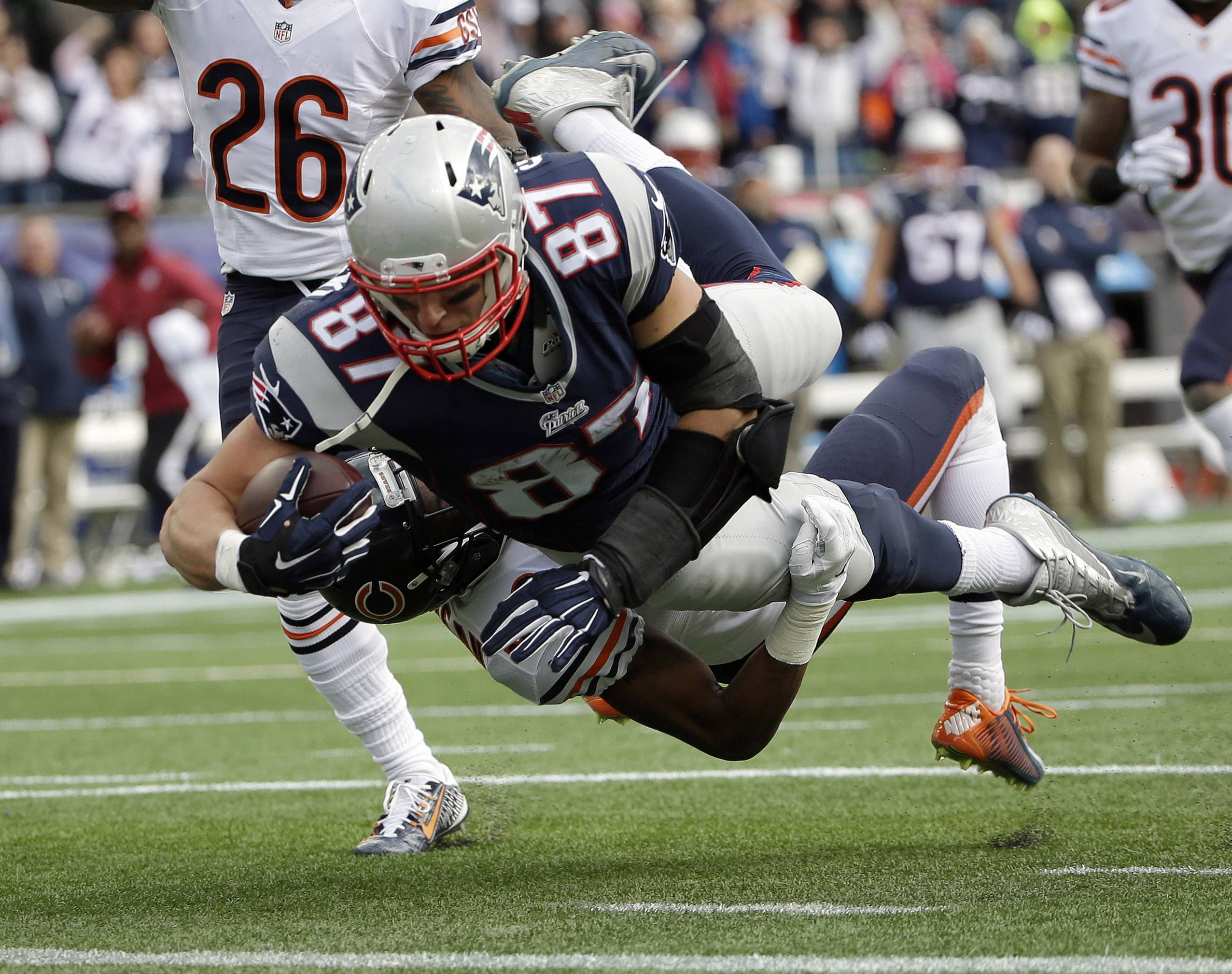 Images Chicago Bears Vs New England Patriots New England Patriots Patriots Football Gronkowski