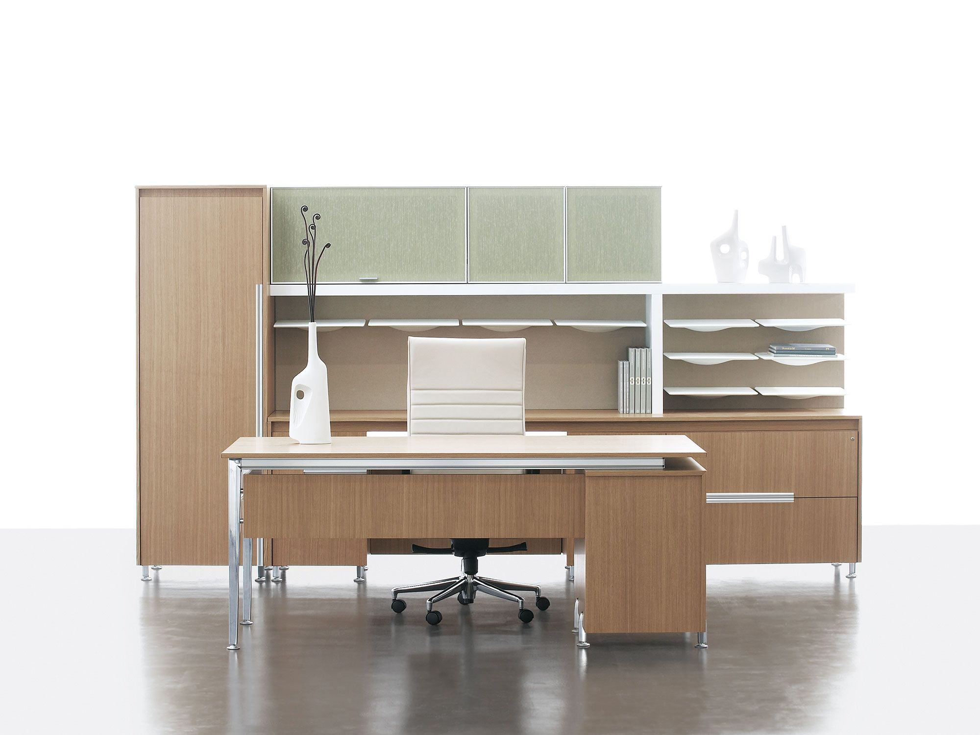 The Perfect Setup For The Perfect C Suite Your Executive Style Doesn T Have To Be Spra Office Furniture Set Luxury Office Furniture Home Office Furniture Sets