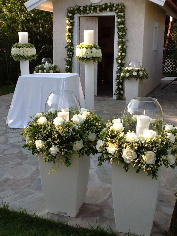 * * * Ceremony area decoration with white flowers www.fleria.gr #www.pinterest.c… – Boda fotos