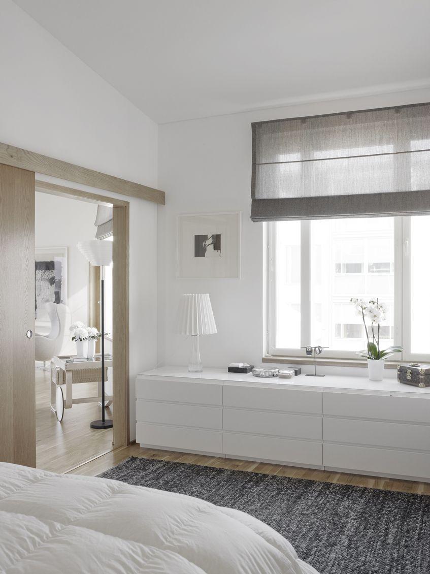 Muebles bajos para no perder la utilidad de las paredes - Mueble puertas correderas ...