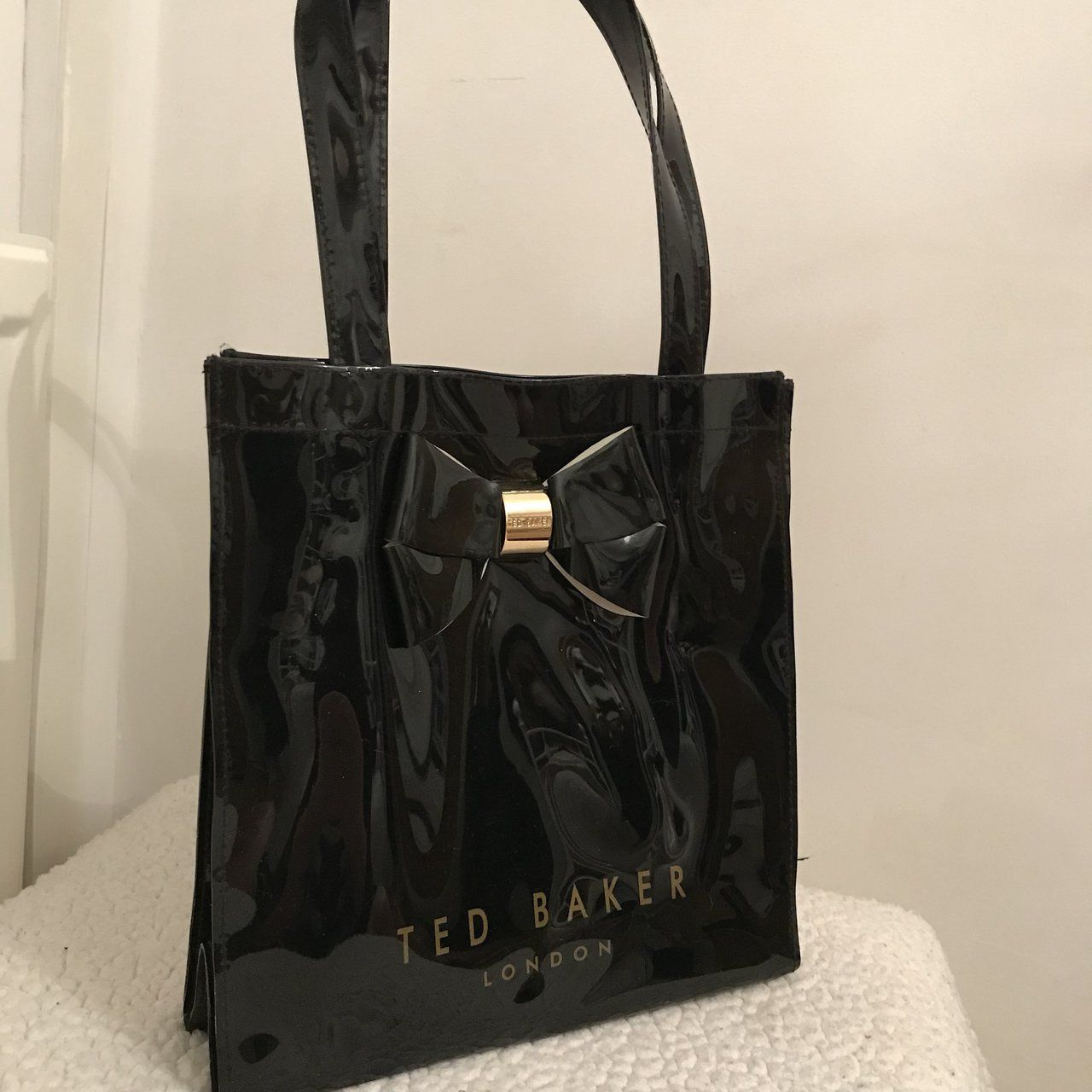 83f1ff89723c Gorgeous black Ted Baker tote bag with gold middle for the - Depop