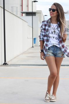 554ed15ae outfits short y tenis - Buscar con Google | F | Outfits casuales ...