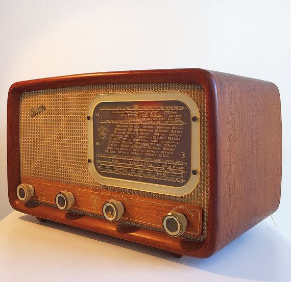 Danish Vintage Teak Tube Radio From Herofon Etsy Radio Antique Radio Vintage Radio