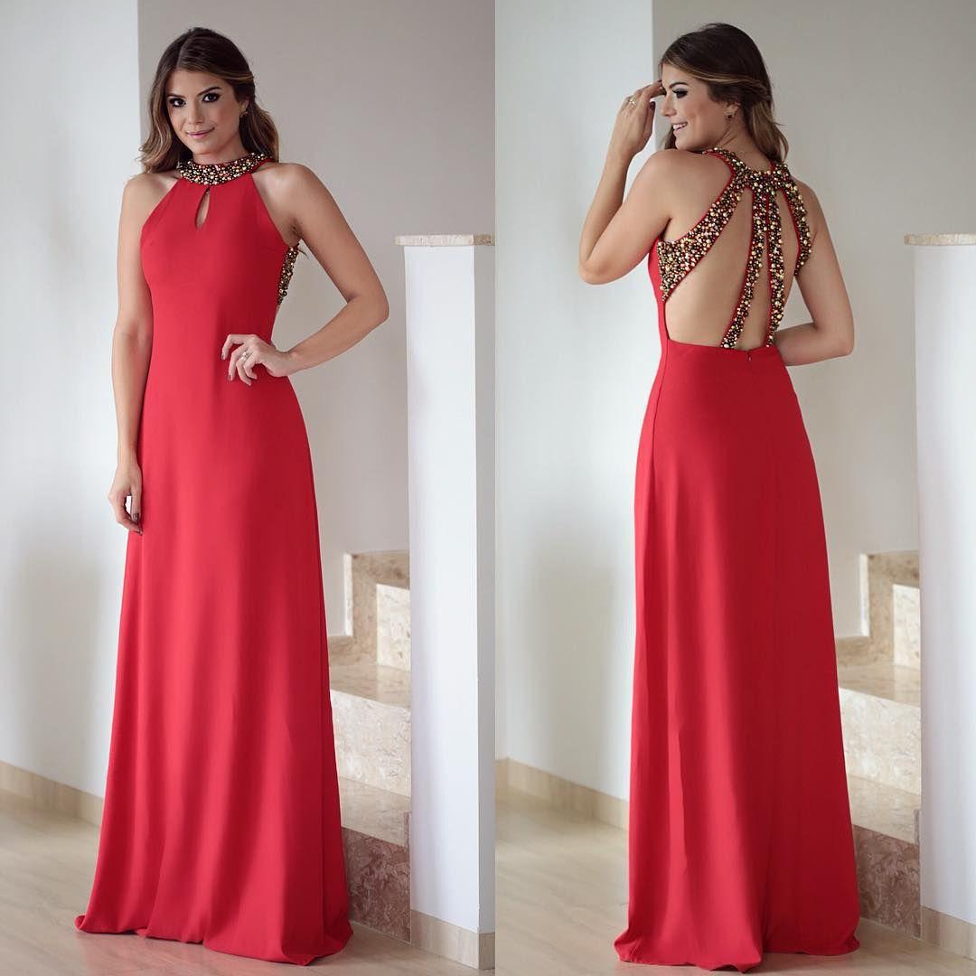 """{Red} Vestido @lilybelleoficial ❤️ Apaixonada nesse bordado dourado  • #partydress #ladyinred #blogtrendalert"""