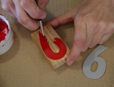 pintar numeros con acrilico para hacer sellos de estampacion