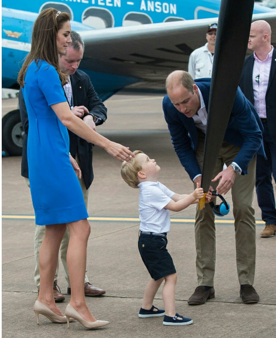 The duke and duchess of Cambridge Take Prince George to the World's Greatest Airshow