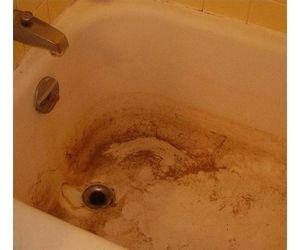 How To Clean A Stained Fiberglass Tub With Images Hard Water