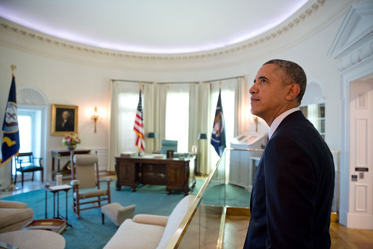 obamas oval office. President Barack Obama Views A Replica Of The Oval Office At Lyndon Baines Johnson Presidential Obamas