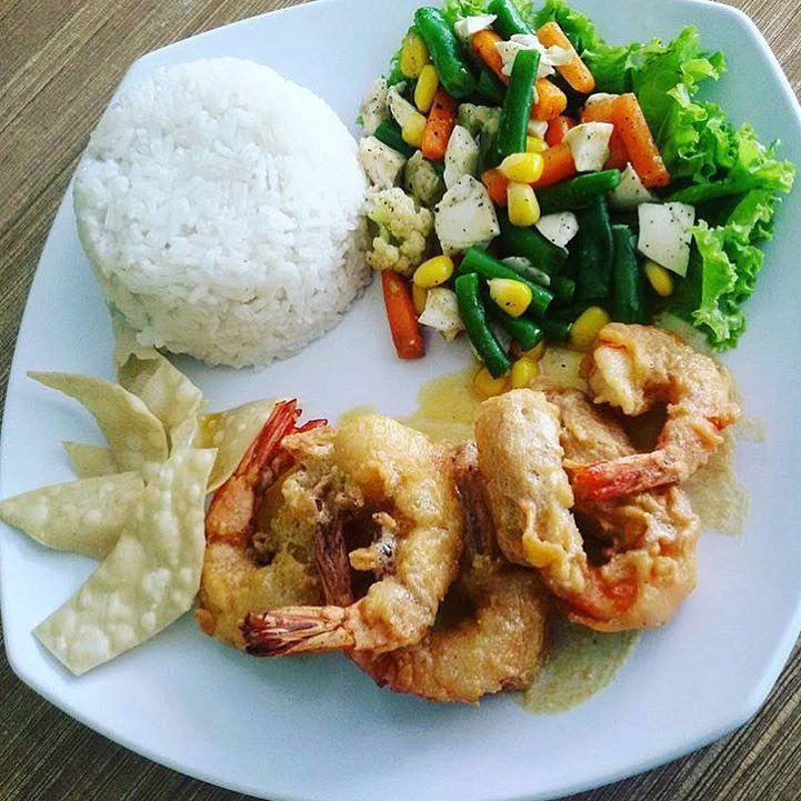Bingung mau makan siang apa Datang saja ke Waroenk Kito Karet Kami menyediakan berbagai pilihan menu menarik Segera pesan dan hubungi free delivery 0878 8667 3072 WA ters...