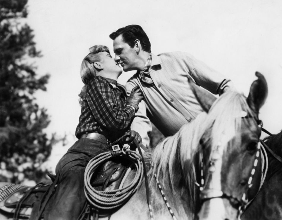 Barbara stanwyck and fred macmurray in the moonlighter