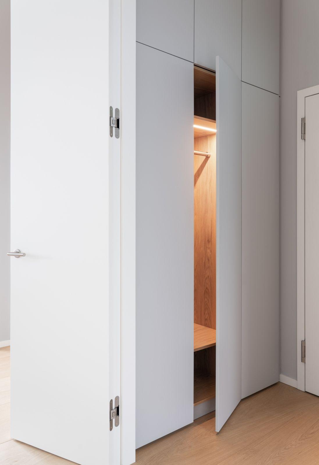 Ankleide Einbauschrank In 2020 Einbauschrank Einbauschrank Garderobe Schrank