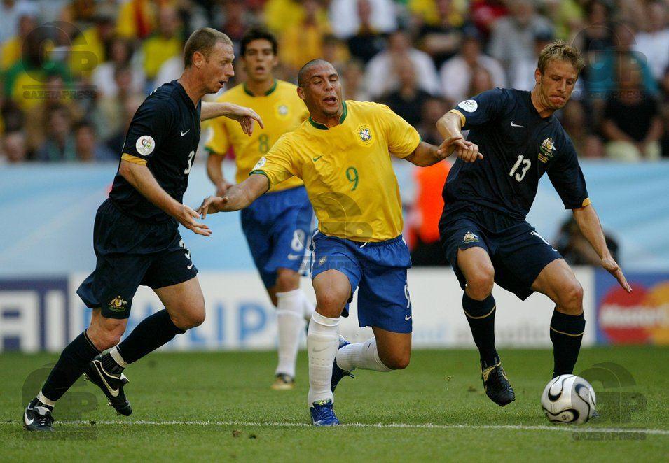 Ronaldo (C), da Seleção Brasileira, durante jogo, o Brasil