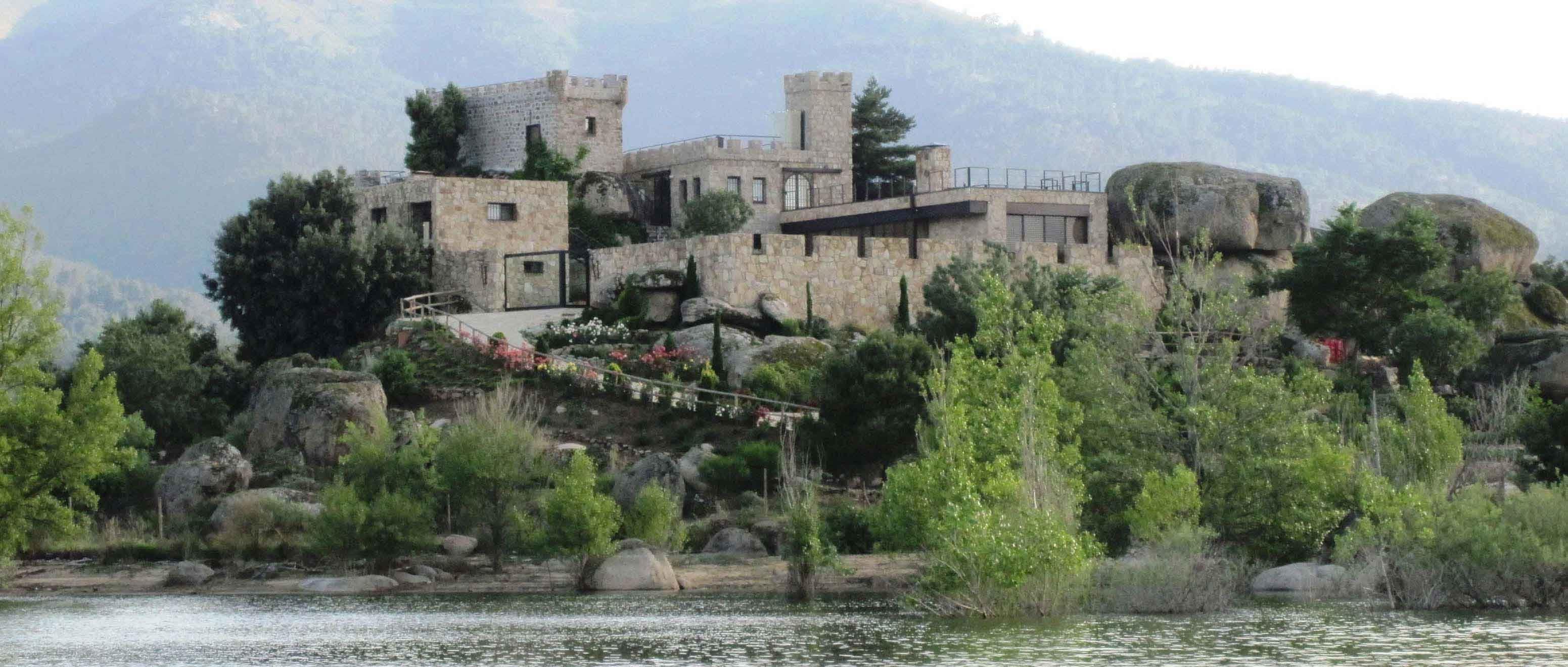 castillo en venta en isla centinela (ávila)