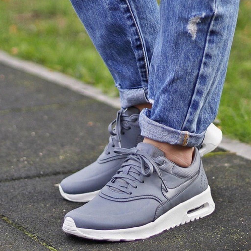 Nike Air Max Thea Premium Leder Grau Trainer Online Kaufen