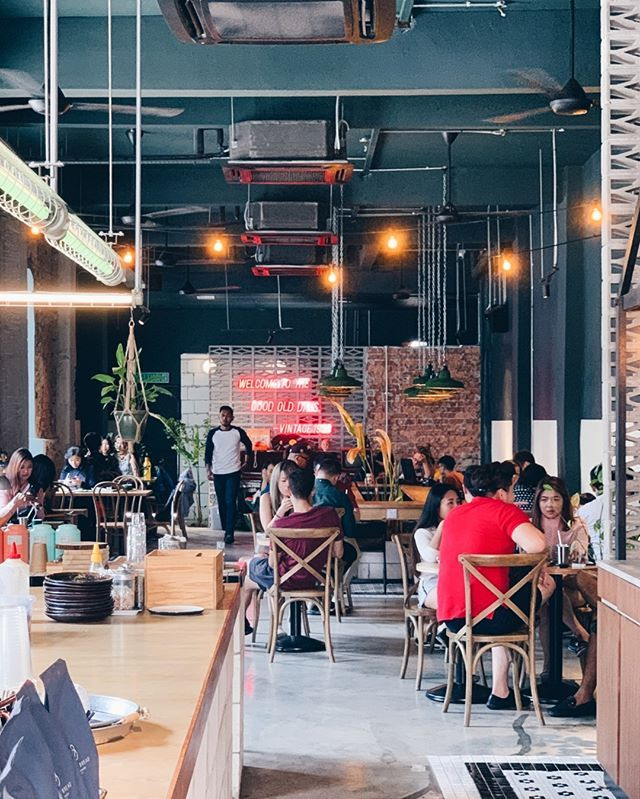 In The Nearby Corner Is Another Hip Cafe Vintage 1988 Cafes Like This Are Popping Out Everywhere In Kl And There Vintage Cafe Malaysia Truly Asia Food Hunter