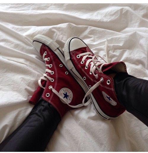 red converse   Sapatos, Coleção de sapatos, Sapatos fashion