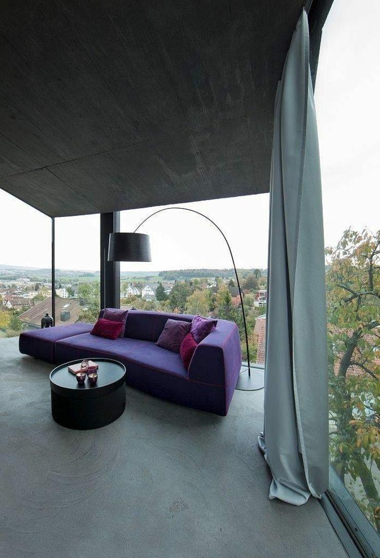 Séjour minimaliste doté d'un panorama de 360°