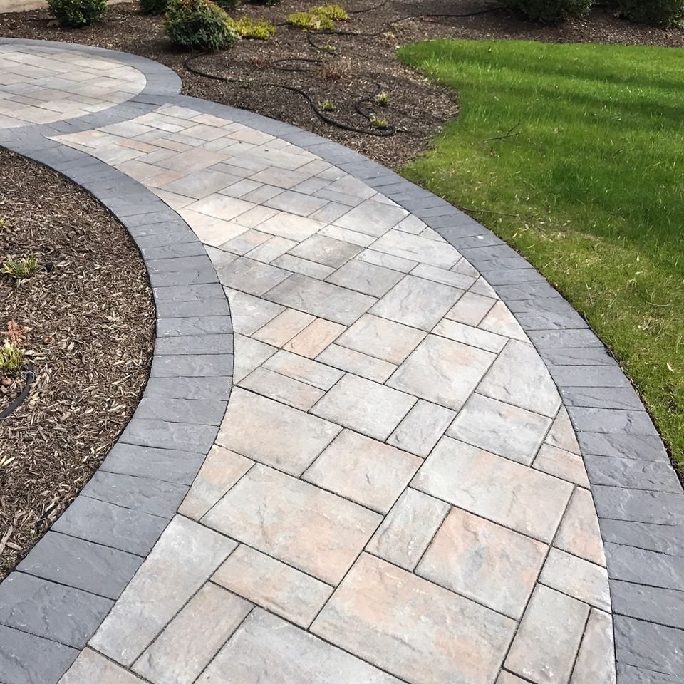 40 Different Garden Pathway Ideas: Cambridge Paver Walkway With Beautiful Gray Border