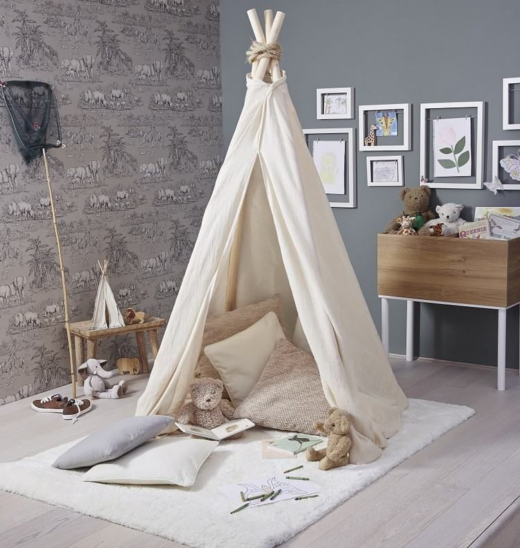 kinder tipi zelt auf einem teppich ideen kinderzimmer pinterest. Black Bedroom Furniture Sets. Home Design Ideas