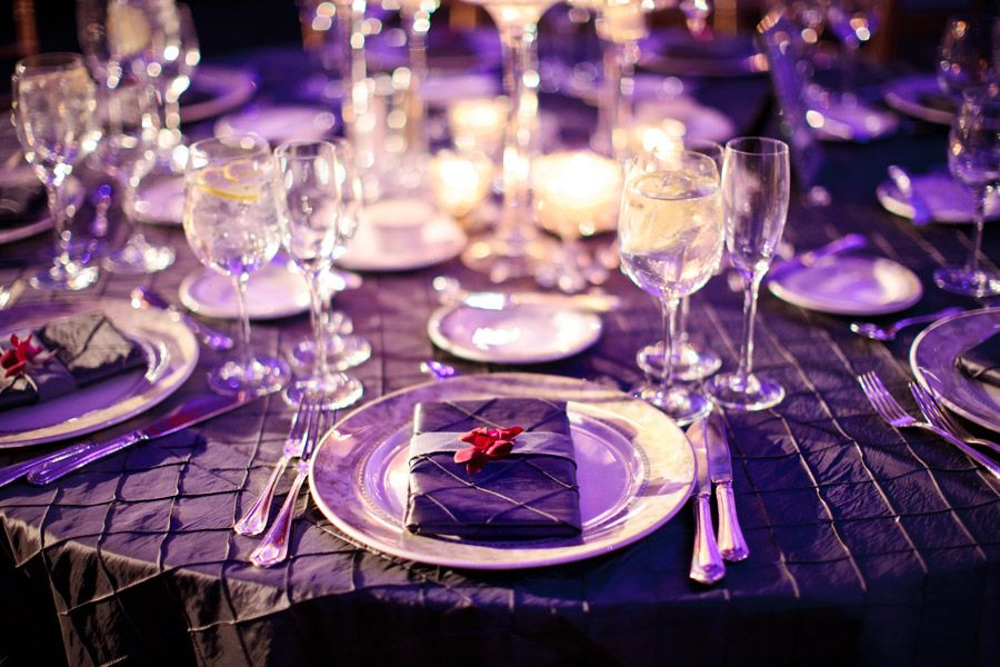 The power of purple for your table wedding setting!