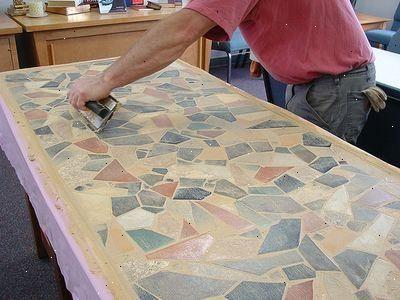 Hoe maak je een outdoor mozaïek tafel maken voordat u begint