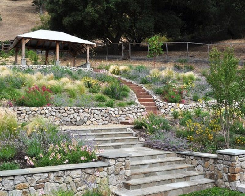 Great Hillside Terraced Garden Patio Design Style