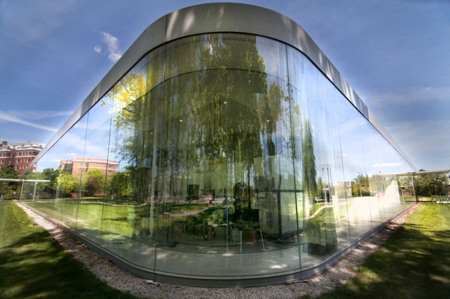 Pritzker Prize Worthy Sanaa S Glass Pavilion At The - Pavillon Glas Rund