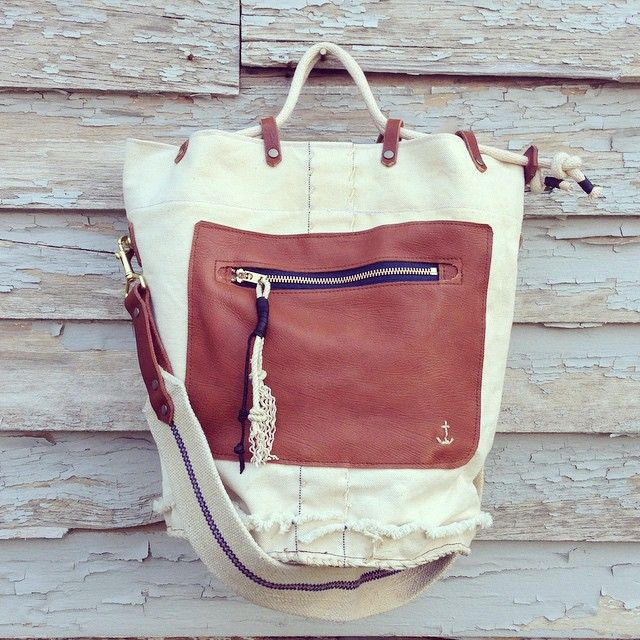 The last bag before spring break #vintagenavy #bucketbag #linenstrap #canvasandleather #handmadebag