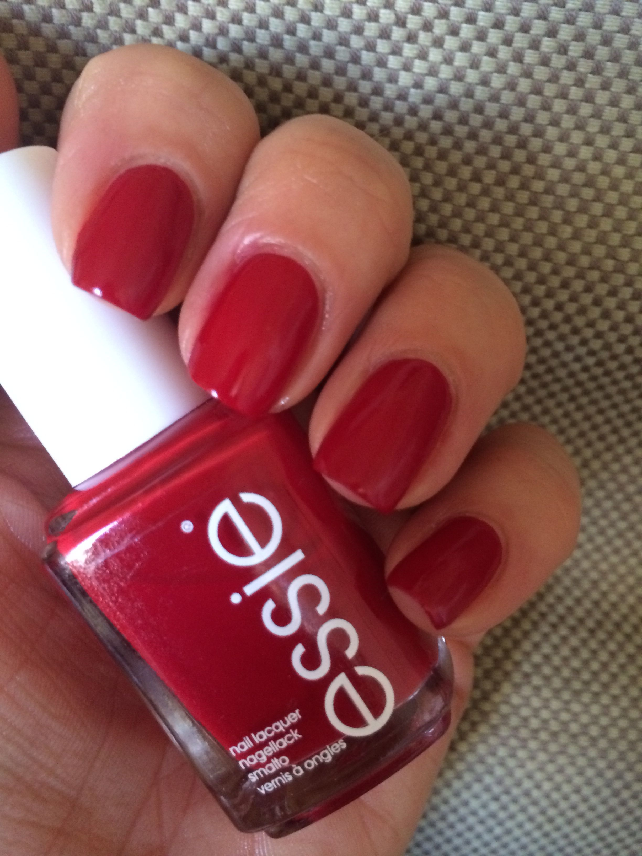 Essie Forever yummy (2 coats) + Mavala Colorfix + Top coat Nails inc ...