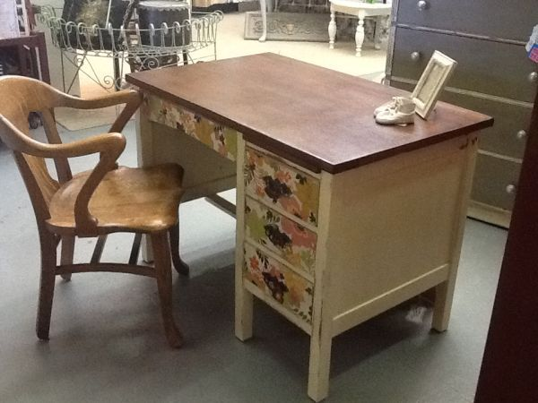 old teachers desk, beautifully refurbished to modern country style - $175  (Parker) : - Old Teachers Desk, Beautifully Refurbished To Modern Country Style