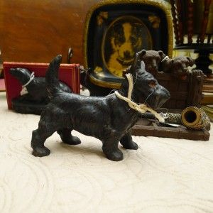 Gotta love this little dog that I saw at Scott Antique Market in Atlanta recently. Carol, the vendor, had great little Europe finds including a pair of rabbits, other dogs and a pig. Find these type of items at Carol's space 746 in C4 in North Building.
