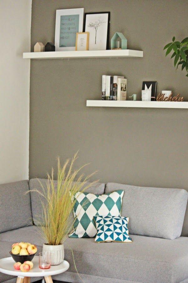 Uberlegen Livingdreams: Kleines Livingroomupdate   Fernseh Wand Streichen Und Zwei  Weiße Regale über Dem TV Platzieren