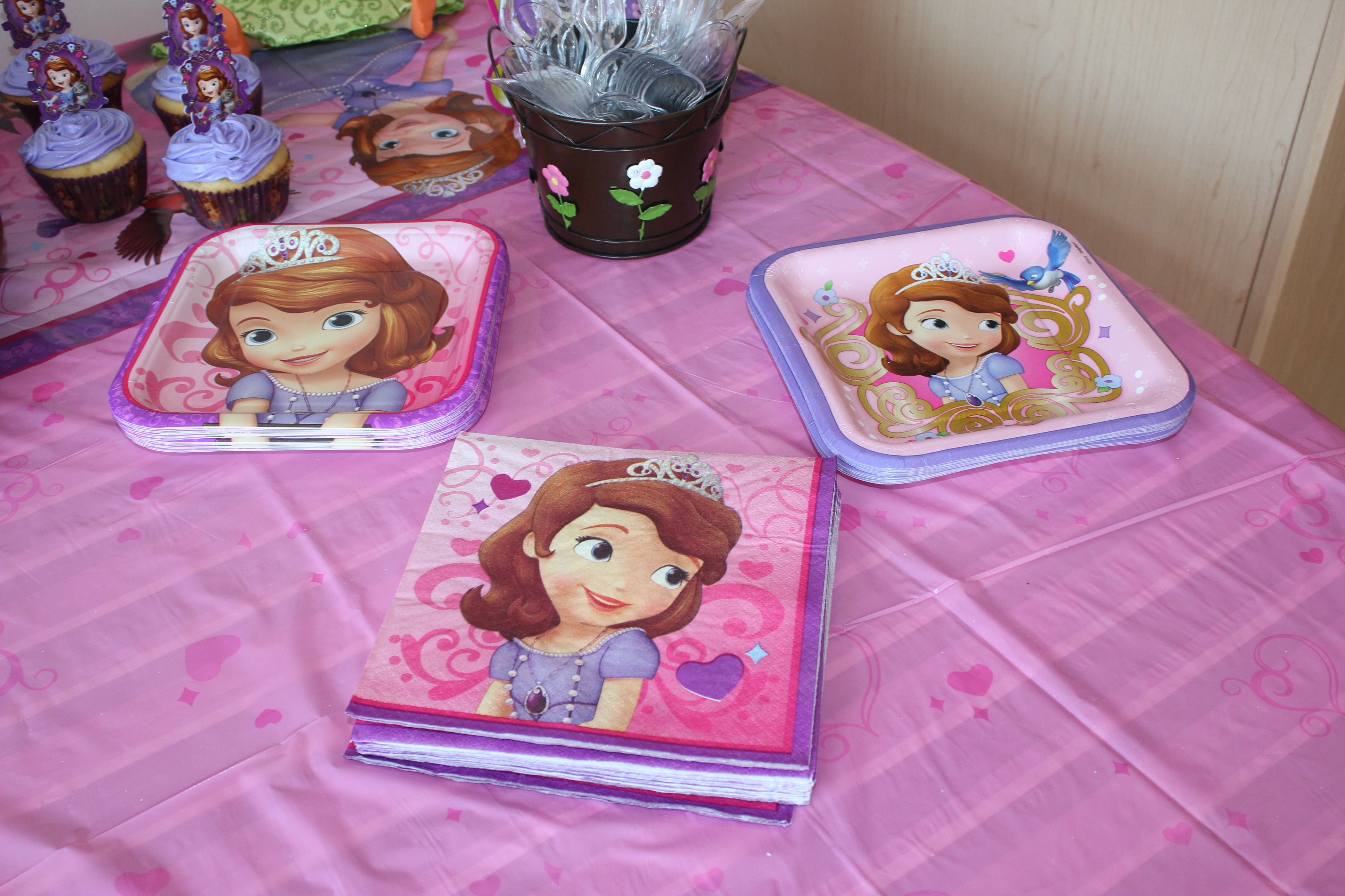 Sofia the First Napkins u0026 Paper Plates from Party City & Sofia the First Napkins u0026 Paper Plates from Party City | Sofia the ...