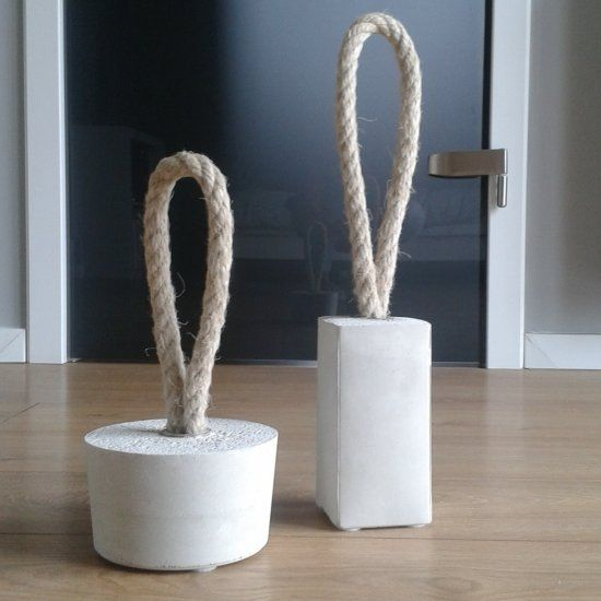 Great for a weekend project diy concrete door stoppers with full tutorial concrete idea - Cale porte ikea ...